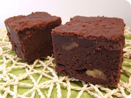brownie au chocolat noir et noix. Black Bedroom Furniture Sets. Home Design Ideas